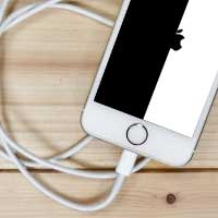 Включается и сразу выключается iPhone
