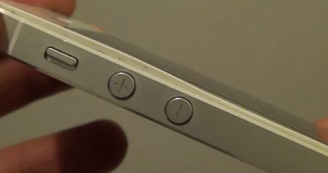 Отходит дисплей в iPhone 5S