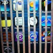 Вертикальные полосы экрана iPhone