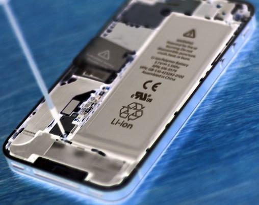 Неисправность батарейки, как причина долгой зарядки