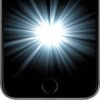 Дисплей iPhone загорается самостоятельно